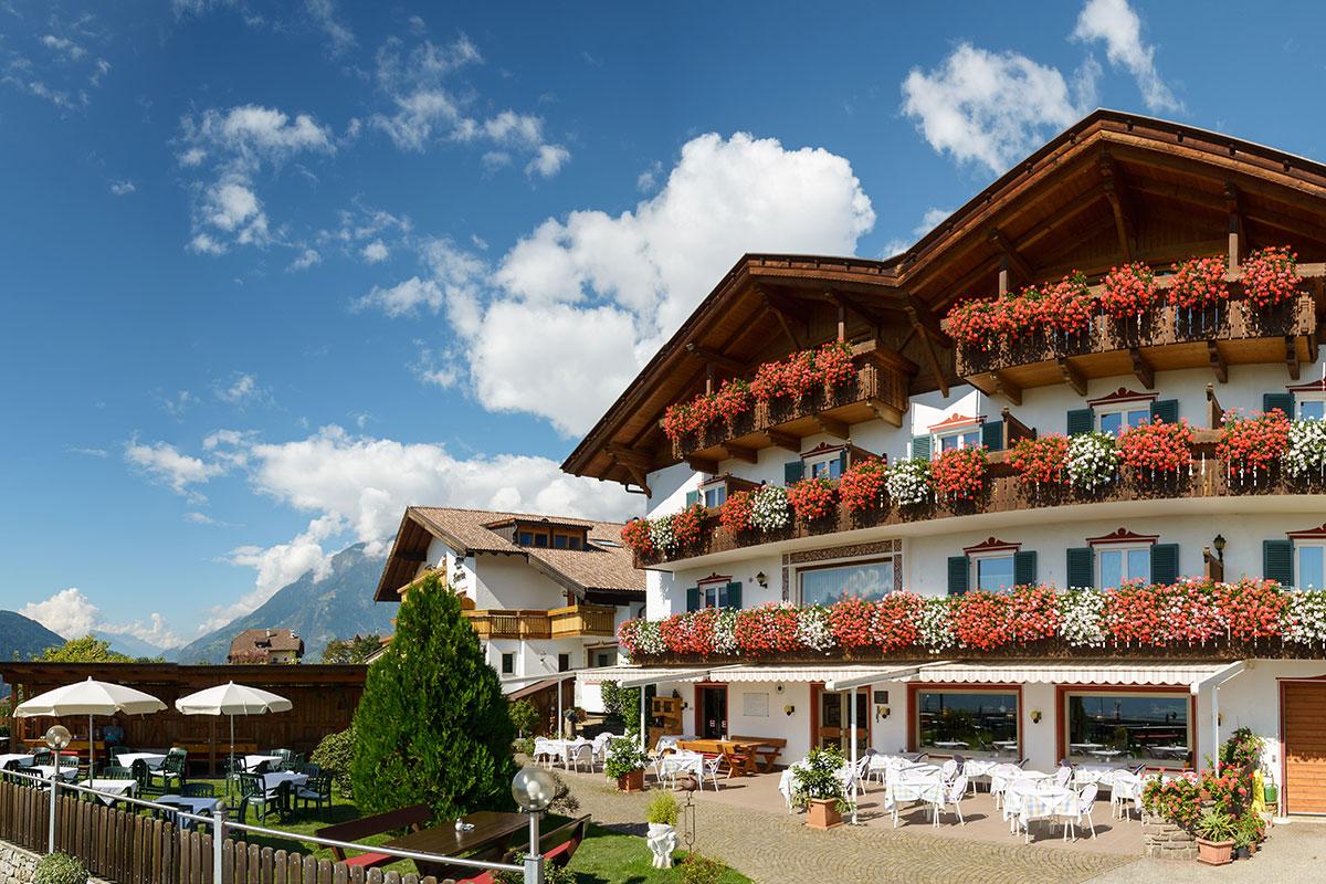 Hotel Stefanie Die Schonsten Hotels In Dorf Tirol Bei Meran