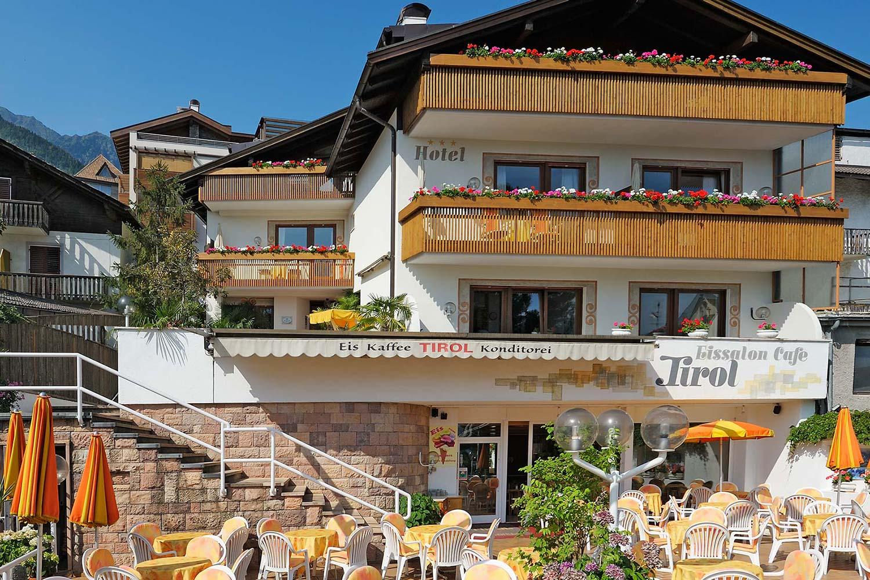 Tirol*** 1